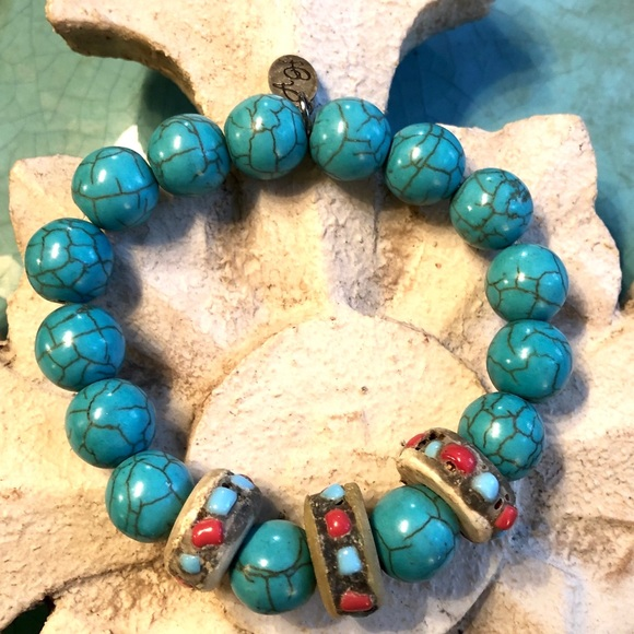 D & A Designs Jewelry - Turquoise stretch Bracelet